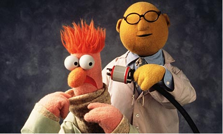 Dr Bunsen Honeydew and Beaker demonstrate the scientific phenomenon that is ginger frizz.